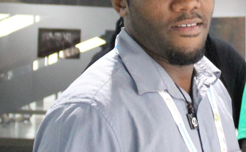 Daniel DODIN, peintre des Seychelles Coup de pinceau«positif»