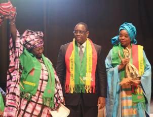 André Marie Diagne Bonané et Rahmatou Seck Samb en compagnie du Président de la République. Crédits Photos: Présidence de la république