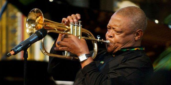 Le père du jazz sud-africain Hugh Masekela n'estplus