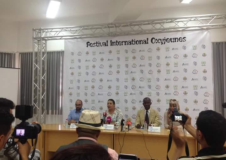 Conférence de presse de l'Association «Jeunes Abir» «Le Festival International OxyJeunes de Safi tiendra toutes ses promesses» (Dixit la Directrice de l'événement, LoubnaMaaroufi)